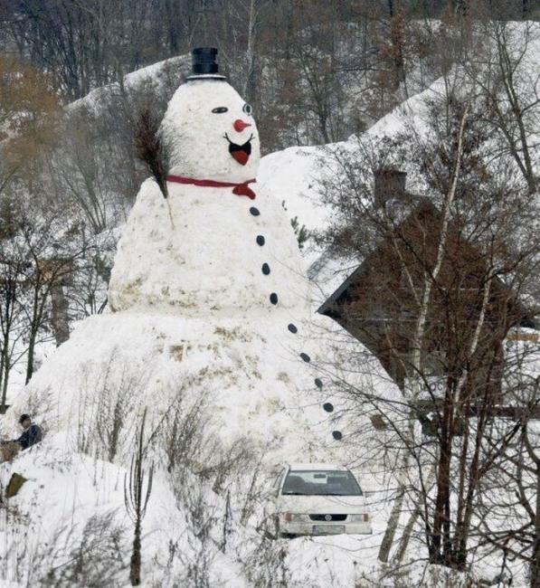 Мега снеговик