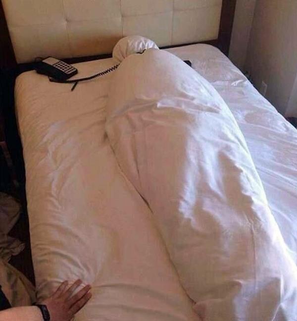 Всегда так оставляю постель в гостинице при чекауте