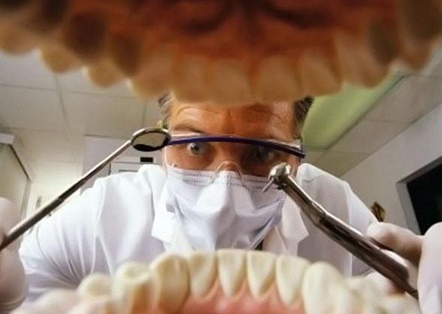 А я пришел к стоматологу с видеофиксатором