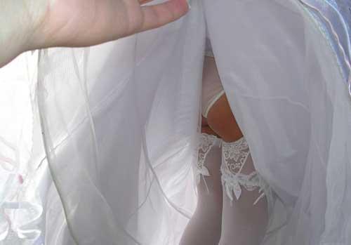 А что там у невесты под ...