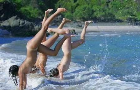 Гимнастика на берегу