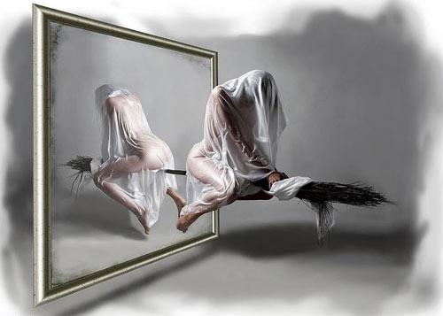 На метле у зеркала