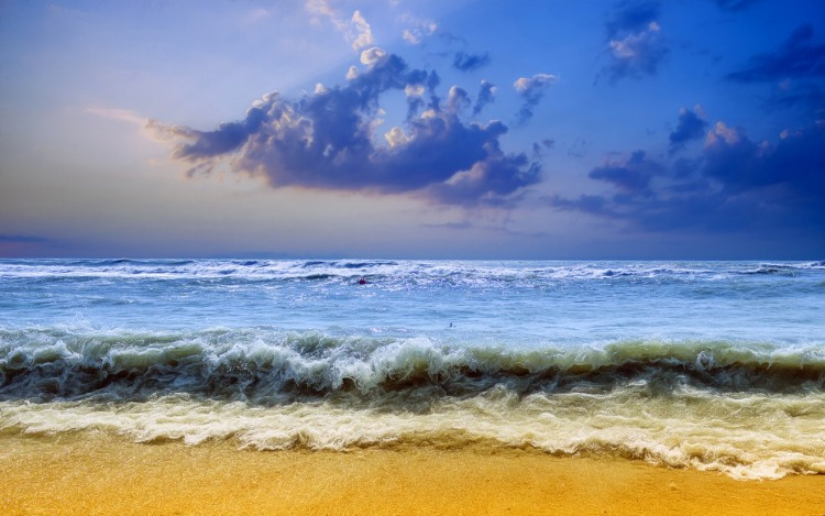 Желтый пляж