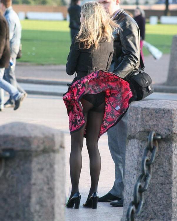 Ветер юбку задрал