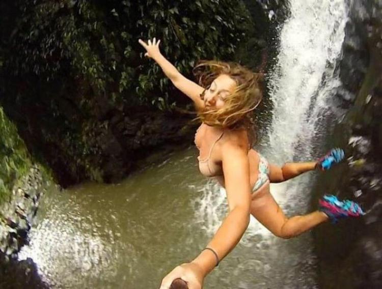 Селфи во время прыжка