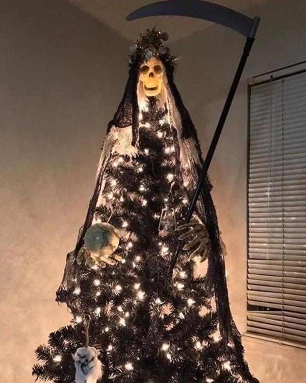 Кое у кого хэллоуин плавно перетек в празднование нового года