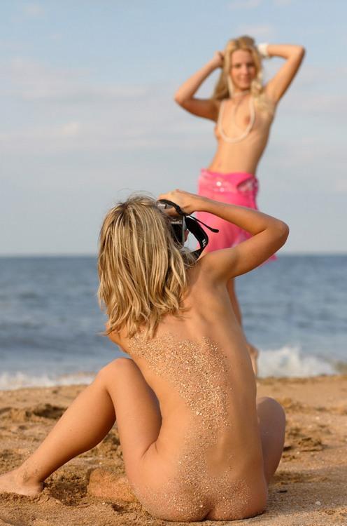 Эротическая фотосессия на пляже