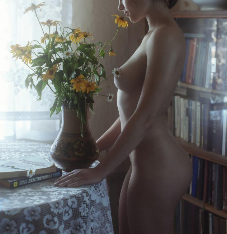 Домашняя эротика с цветами