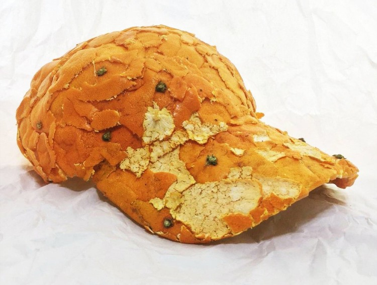 Кепка из корок апельсина