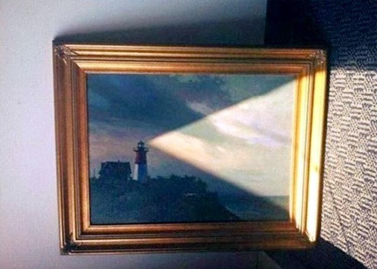 Свет от маяка